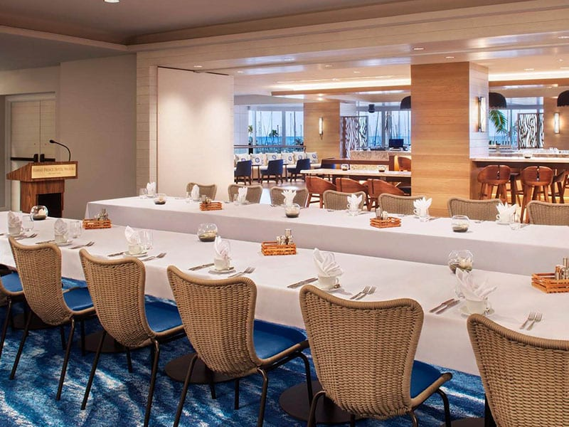 Naio Room - private meeting and dining area.