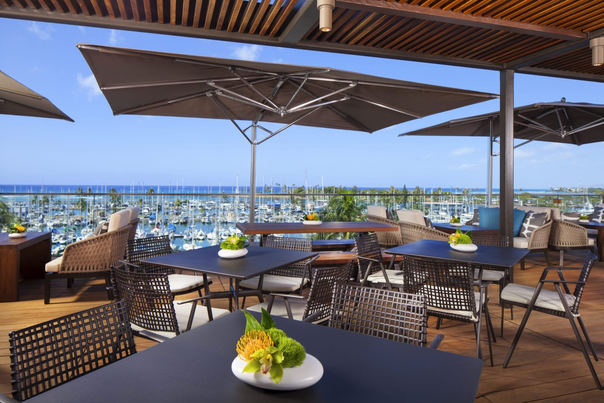 Club Lounge. Outdoor dining.
