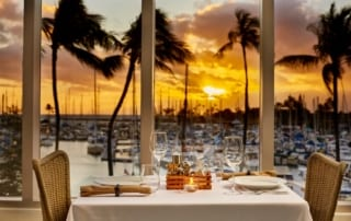 100 sails oceanfront dining table.