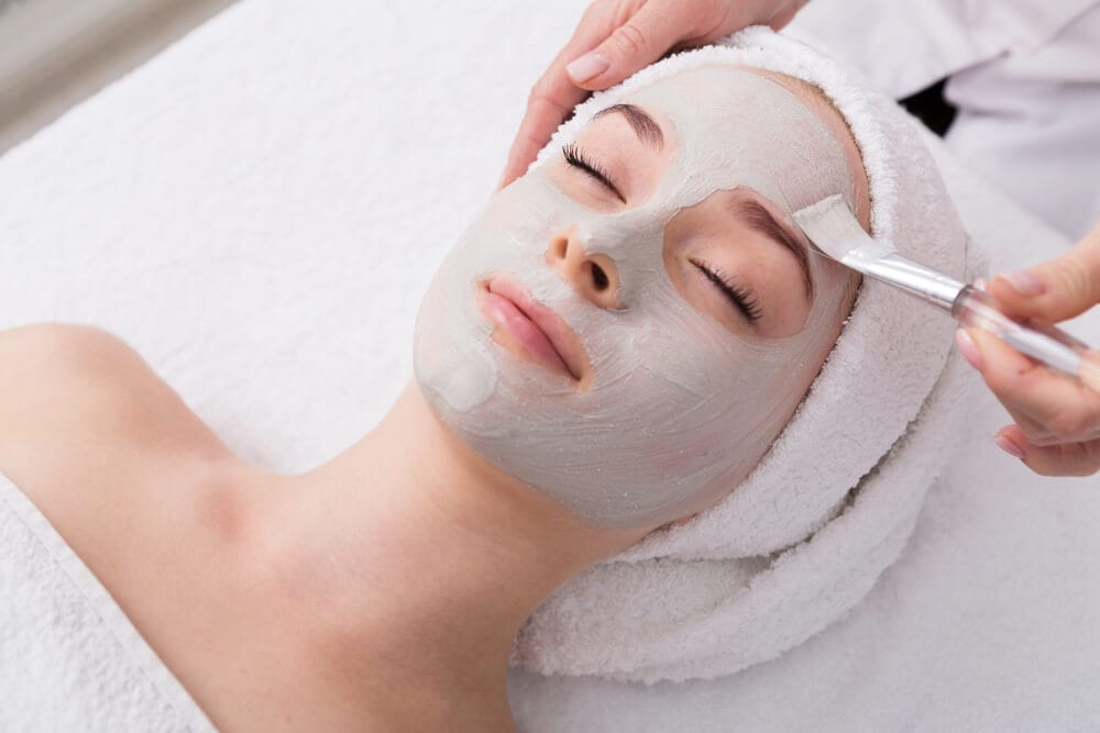 A photo of a woman being pampered at a Honolulu spa.